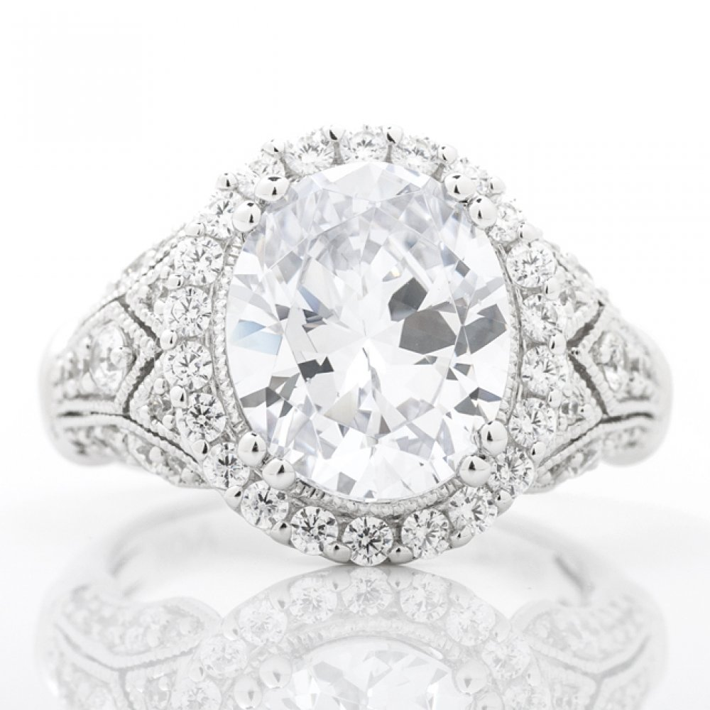 Vintage Inspired Halo Engagement Ring with Milgrain Detail