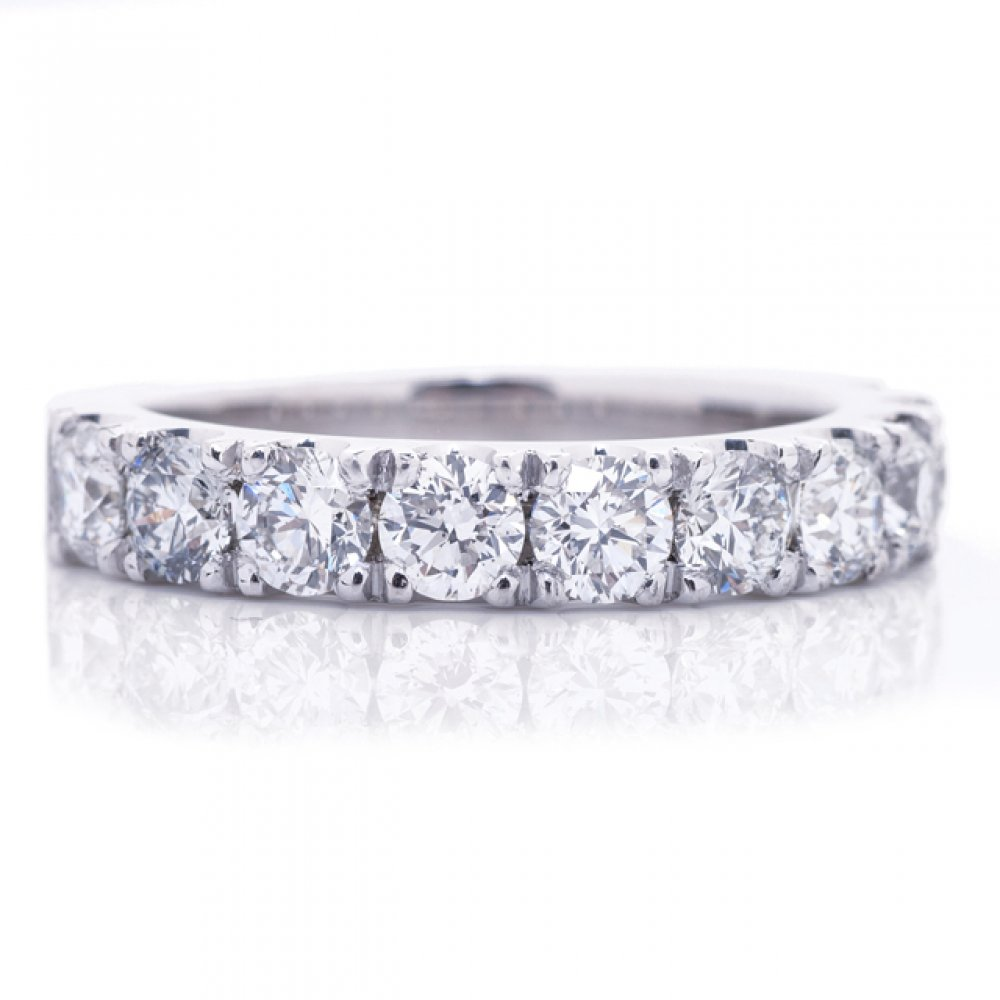 10 Stone Diamond Wedding Band